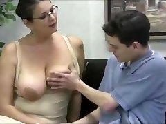 Masturboi, jonka opettaja MILF