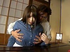 미친 일본 모델을 치토세 Saegusa 에서 각질 리얼 bbw JAV 클립