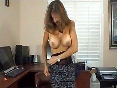 Üvey anne porno aktris ve gerizekalı oğlu