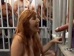 bukkake - padauzu ar lielām krūtīm amerikāņu cietumā bukkake