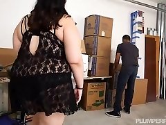Busty Brunette BBW Bodacious Swift Peeks and Stalks