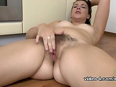 Jessica Biel in Masturbation Film - AtkHairy