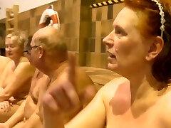 Γυμνιστές που κολυμπούν στη δανική τηλεόραση-Show