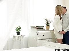 atraente busty russo gostosão shakilla astti pula no pau erguido