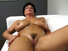 Cute ma oils up and fucks Jane from dates25com