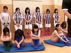 Sexy merginos yra nuogas ir yra praktikuojančių masturbacija