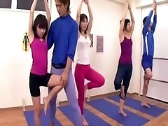 Japanese coach acquires erection at the gym 3