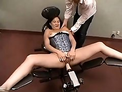 Amateur Plays With Fucking Machine