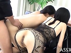 Harsh blowbang from japanese playgirl with ass-plug