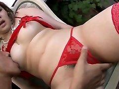 Perilo model, Ai Yuumi, ljubi oralna stimulacija