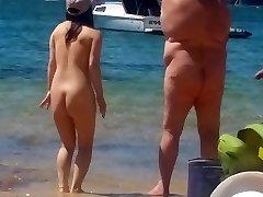 Chica asiática en la playa nudista de Sydney parte 2