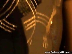 India De Dama Mostrar Sus Pezones