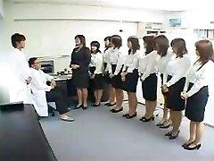 Asiático Examen Médico
