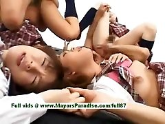 Teen japanese models have fun with an hook-up