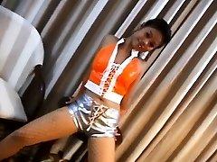 Hot Chicka Filipina Showing Her Tight Backside