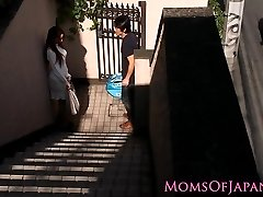 Asian mommy cheats and gets face fucked