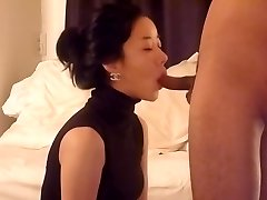 Astonishing honey is trying to intensify pleasure