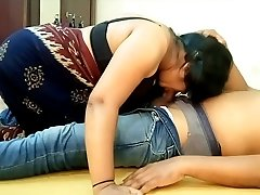 Indian Big Boobs Saari Girl Suck Off and Licking BF Cum