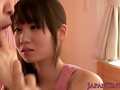 Petite asian pornographic star Yumeno Aika cumswapping