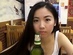 Ķīnas Cutie Ar Baltais Cilvēks