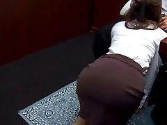Office cockslut Ibuki gives head