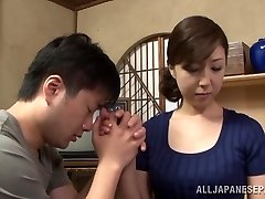 Warm mature Asian housewife enjoys getting stance 69