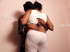 Sripiya Belly Button Grope