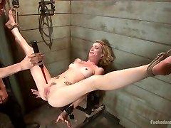 Caged Sub: Jeze Belle, Owen Gray