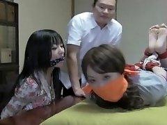 2 japanese girls
