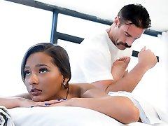 Jaye Summers and her kinky masseuse