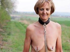 Marionette Elke Nude Walk