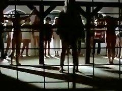 该女子监狱的营地从1980年的妻子徐娘半老