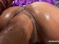 busty oiled Cougar extreme fisted