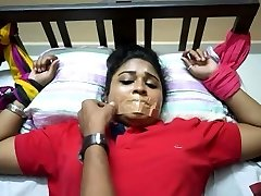 Desi indian finging her fucking coochie for cam at