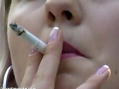 Smoking Voyer