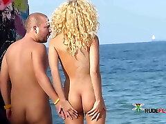 Beach super blonde
