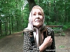 Granny gets tied and fucked