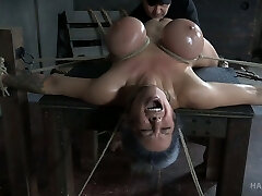 Hard tied busty babe Alyssa Lynn gets her cunt punished with vibrator
