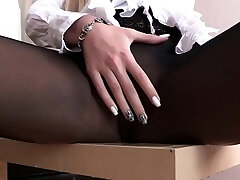 Hot bitch pees through her sexy pantyhose