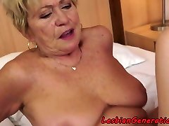 Curvy granny pussylicks tight hotty