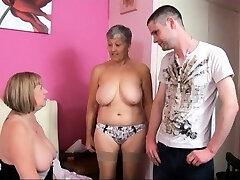TAC Amateurs presents Granny Savana and Cougar SpeedyBee.