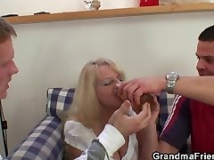 Two partying guys screw buzzed blonde grandma