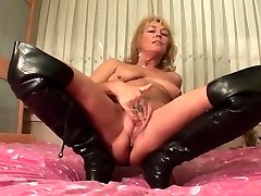 mature lady solo