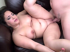 Chubby mother suck and fuck lucky daddy