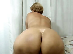 Latin Mom with a Huge bum