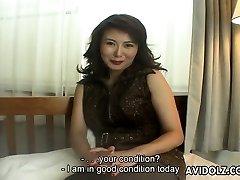 Expert Japanese Cougar Maria Yuuki gives an interview