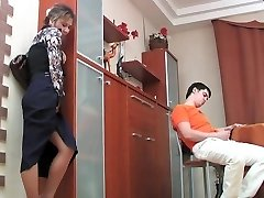 Russian mature Shenythia caught dude masturbating