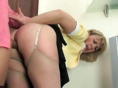 Hot mom-slut & bulky guy