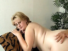 Pregnant mature lady wants to get plowed properly