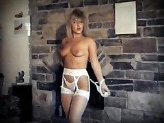 DA YA THINK I'M Wondrous ? - vintage striptease dance performance